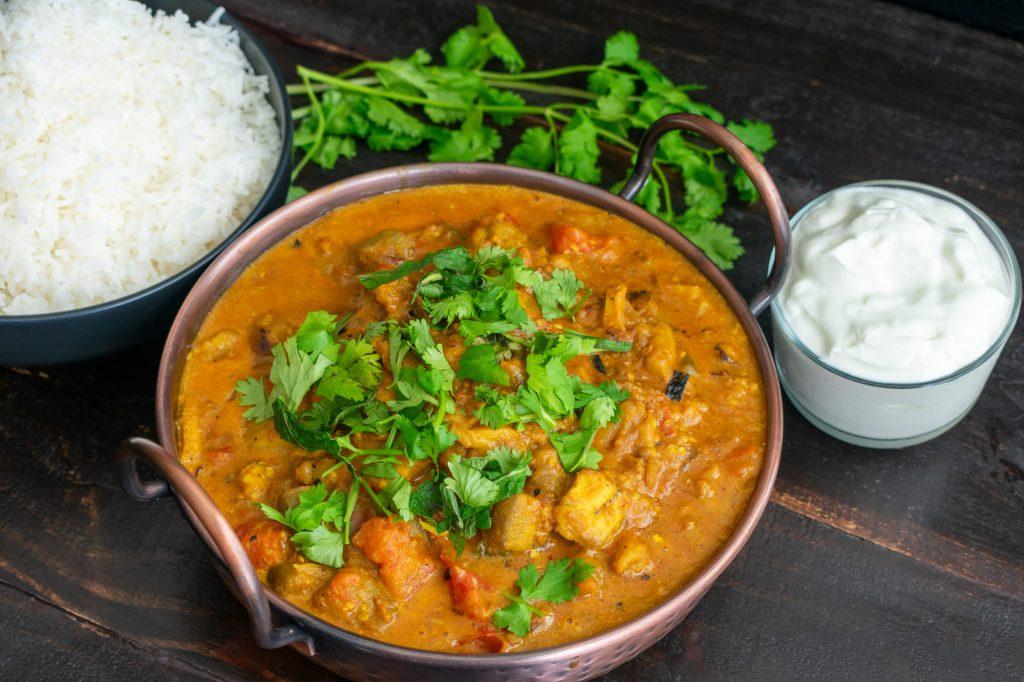 Curry d'aubergines au lait de coco, riz