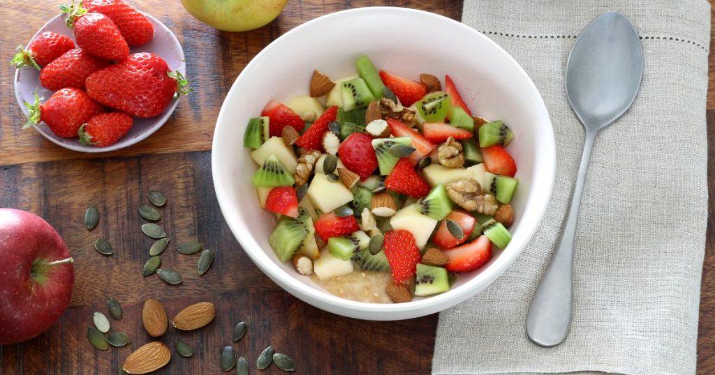 assiette de fruits, de graines