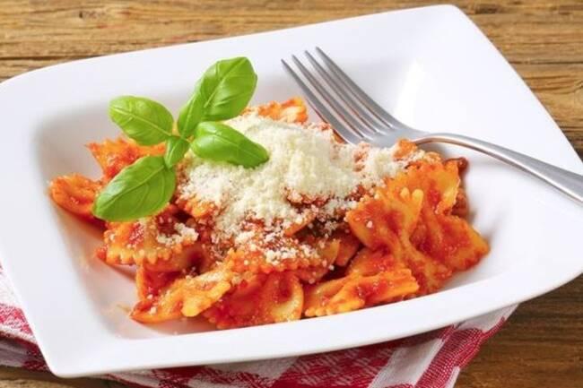 Recette Farfalles au coulis de tomates au parmesan