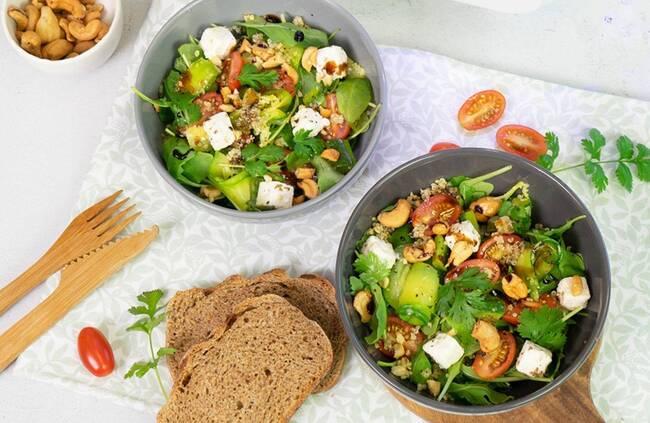 Recette Salade de quinoa aux courgettes, feta, herbes