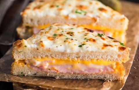Recette de Croque monsieur cheddar/jambon, carottes râpé
