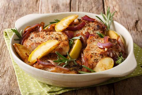 Recette de Filet de porc aux mirabelles, pommes de terre vapeur