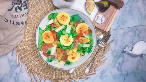 Recette de Salade du berger aux ravioles - Jambon cru