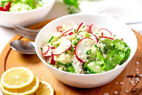 Recette de Salade de boulgour au radis et au concombre - Carpaccio de tomates
