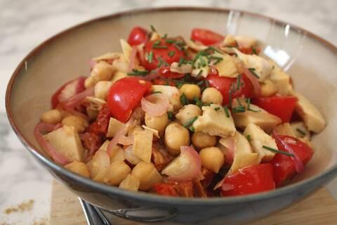 Recette de Salade pois chiches cœurs d'artichaut, jambon