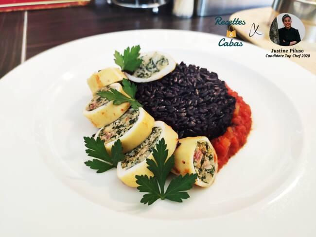Recette Encornets farcis, riz noir pilaf et sauce tomate