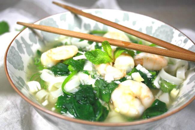 Recette Soupe vietnamienne crevettes et pâtes de riz
