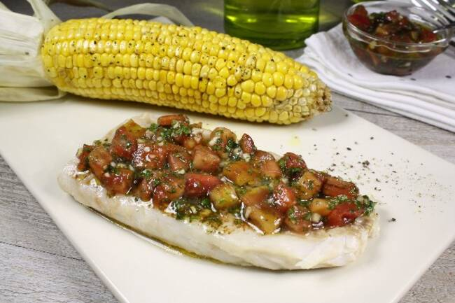 Recette Filets merlu, salsa tomate, maïs grillé