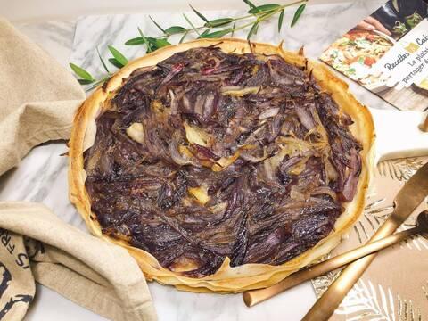 Recette de Croustade aux oignons rouge caramélisés - Salade verte aux pois chiche