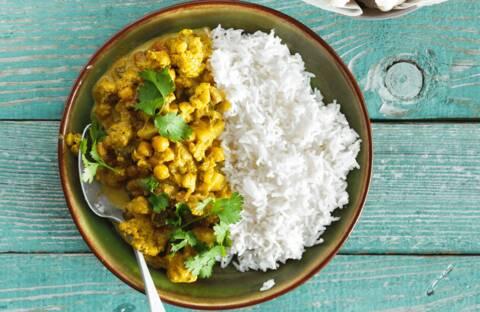Recette de Curry de chou-fleur et patate douce au lait de coco - Riz (SG)