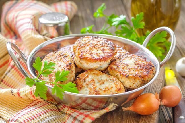 Recette Boulettes de poisson aux épices et aux herbes - Riz