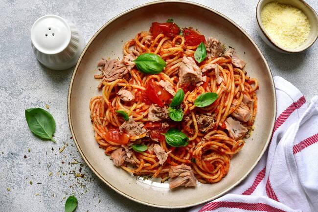 Recette Spaghetti sauce au thon - Salade de mâche
