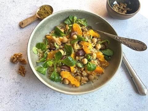 Recette de Salade tiède de boulgour à l'orange et aux noix