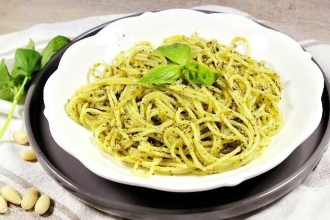 Recette Spaghettis au pesto basilic et amandes