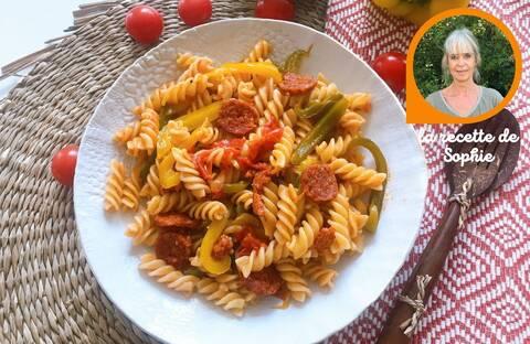 Recette de One-pot-pasta au chorizo et aux légumes du soleil par Sophie