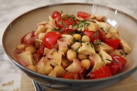 Recette de Salade complète de pois chiches à l'orientale - Radis (SG)
