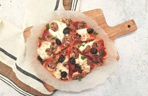 Recette de Galettes de polenta façon pizza - Salade (SG)