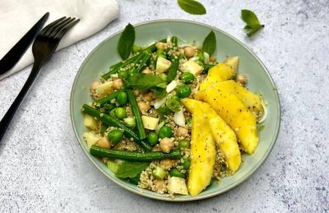 Recette de Taboulé de quinoa aux légumes verts et à la mangue - Radis (SG)