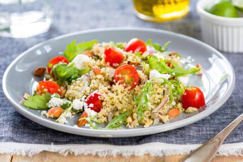 Recette de Salade de quinoa aux courgettes, feta et herbes, roquette (SG)