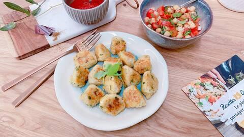 Recette de Bouchées croustillantes de boulgour à la tomme de brebis - Salade tomates-pois chiche