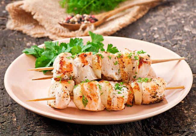 Recette Brochette de poulet mariné - Carottes fondantes (SG)
