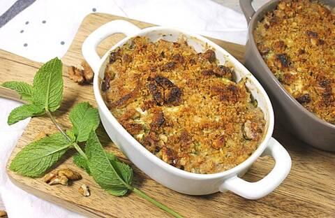 Recette de Crumble poulet-courgettes-chèvre frais-noix