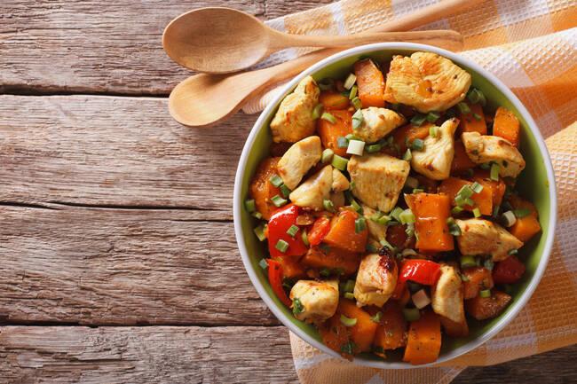 Recette One pot de poulet aux légumes d'hiver au four