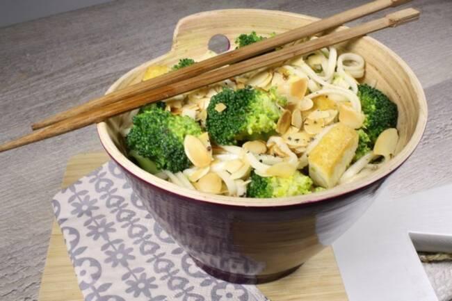 Recette Nouilles japonaises aux brocolis et amandes