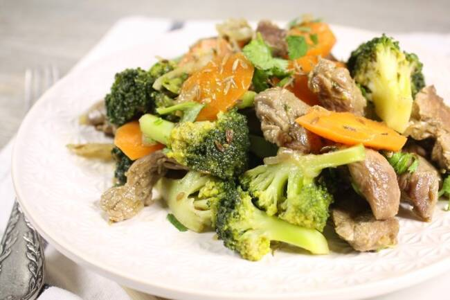 Recette Émincé de dinde au cumin, brocolis et carotte