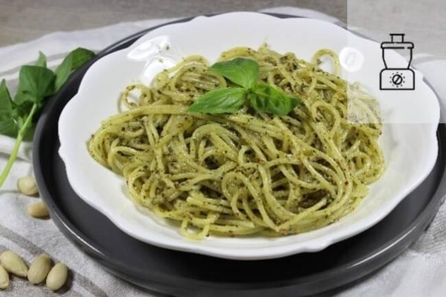 Recette Spaghettis pesto basilic/amandes - Guacamole