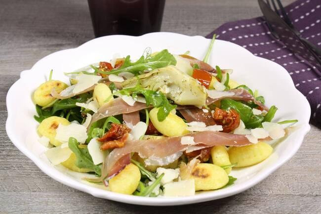 Recette Salade gnocchis, cœurs  d'artichauts, tomates