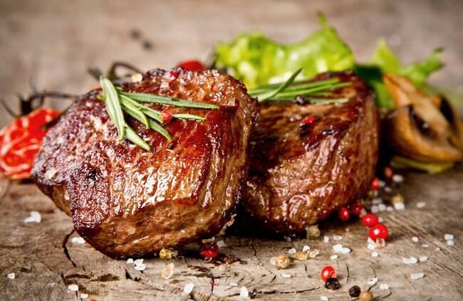 Recette Pavé de bœuf grillé, tomates à la provençale