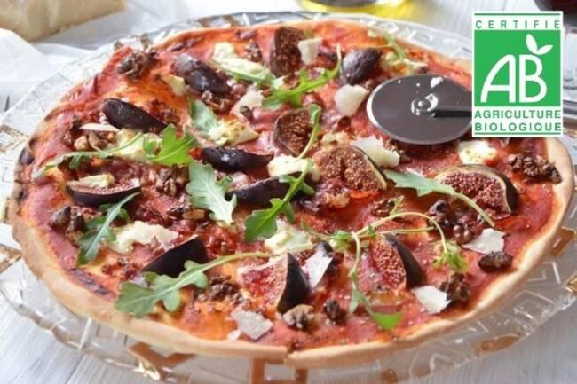 Recette Pizza aux figues fraiches, mozzarella, Salade