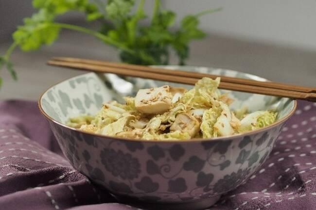 Recette Salade de chou chinois au tofu  et au sésame