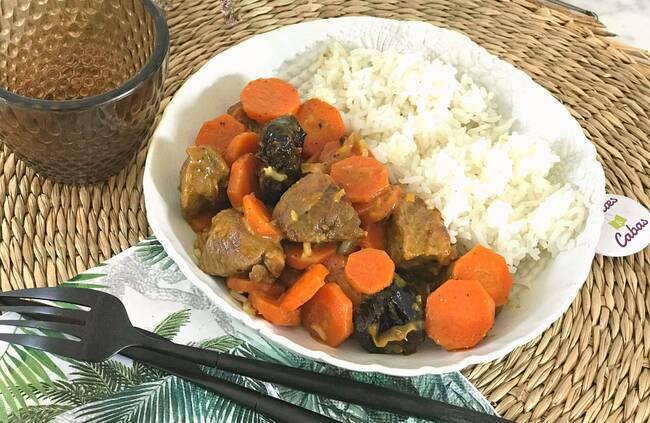 Recette Sauté de dinde aux pruneaux et aux carottes