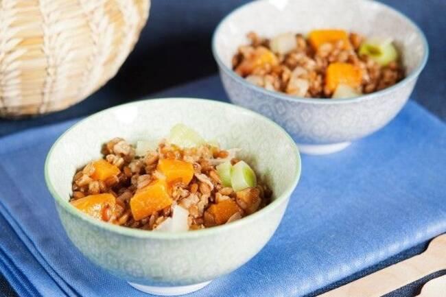 Recette Courge et poireaux en sauce de lentilles corail, couscous d'épeautre