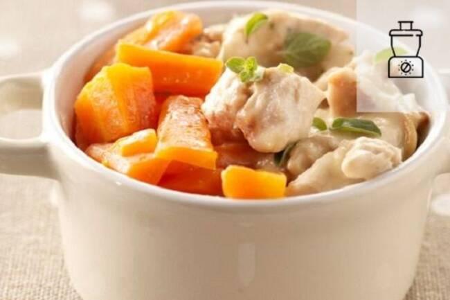 Recette Poulet poché au lait d'amande aux légumes