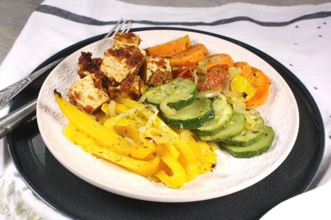 Recette Tofu au pesto de tomates, légumes rôtis