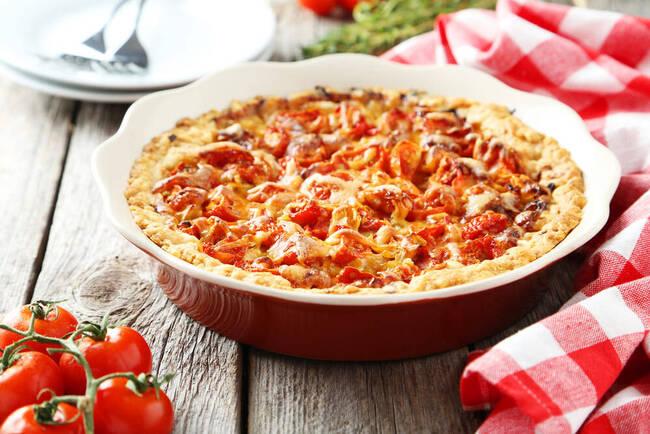 Recette Tarte maison à la tomate et au bœuf - Mâche