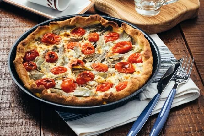Recette Tarte aux cœurs d'artichauts et aux tomates cerises - Salade verte