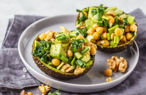 Recette de Avocats farcis aux noix de cajou - Taboulé express