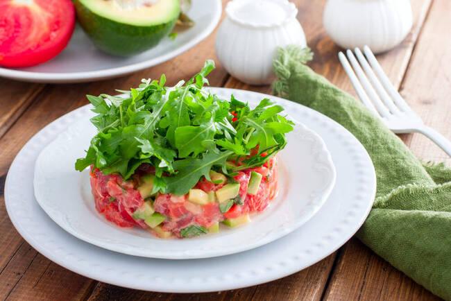 Recette Tartare asperges, avocat, tomates Galette végétarienne